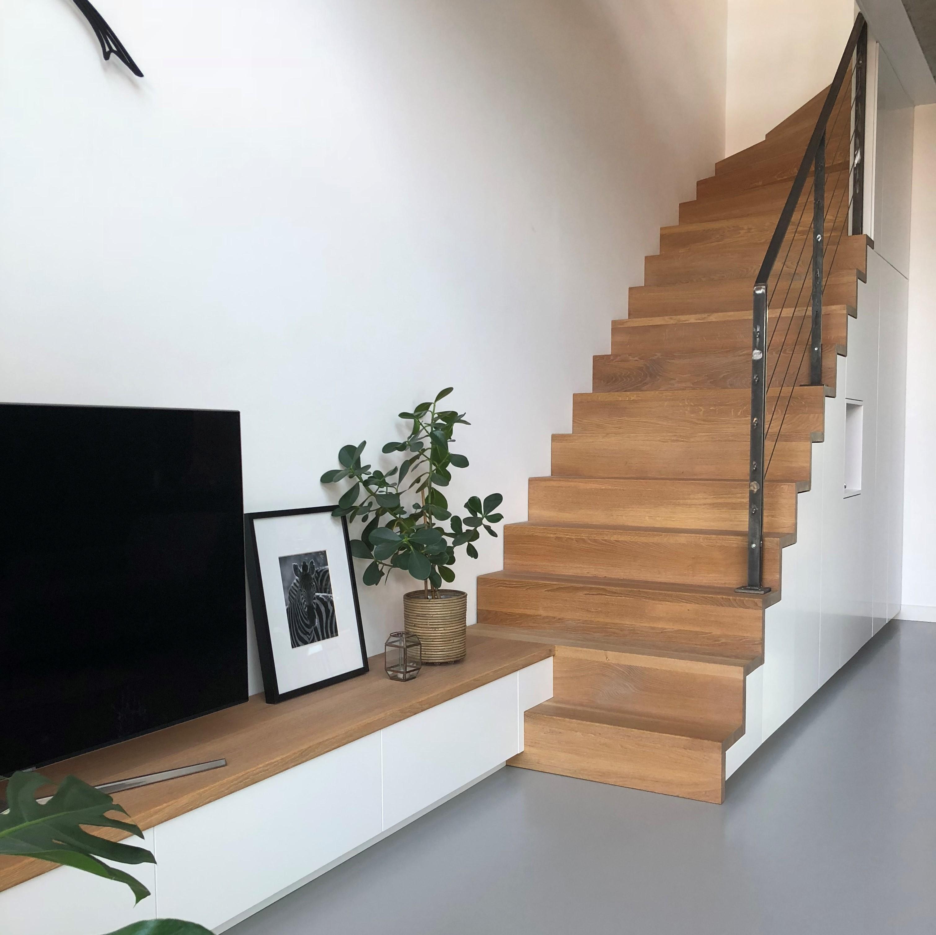 Trapkast met tv-meubel - Joro